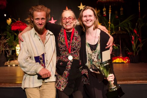 31-Gail M Clarke with Peoples Choice Award winner Zac Simmons and 2018 cup winner Sarah Temporal