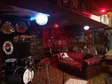 lazybones lounge-empty room